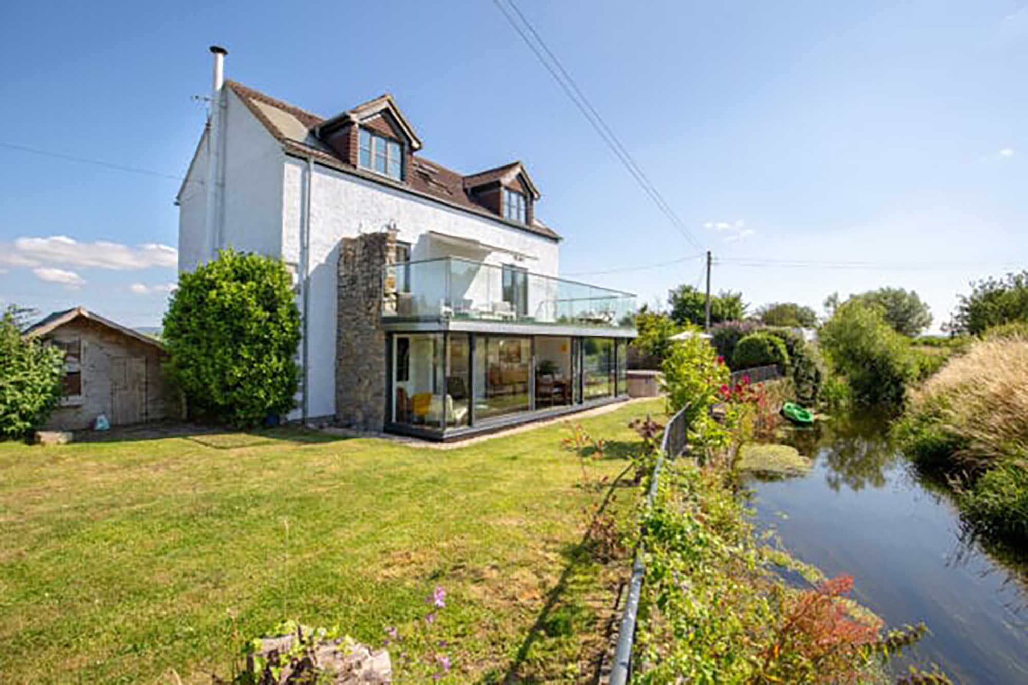 Fabulous home with stunning views of Glastonbury Tor