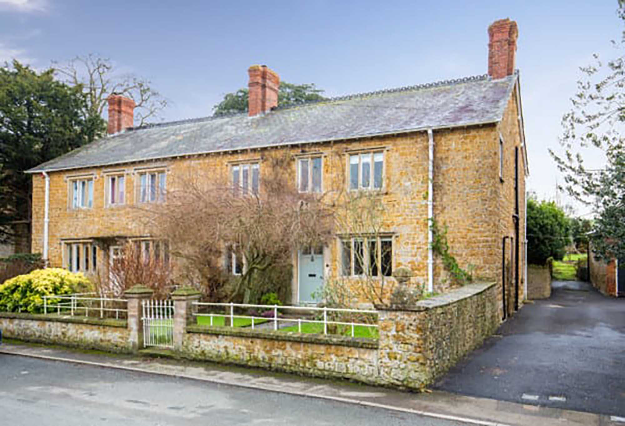 Very attractive period house in Castle cary
