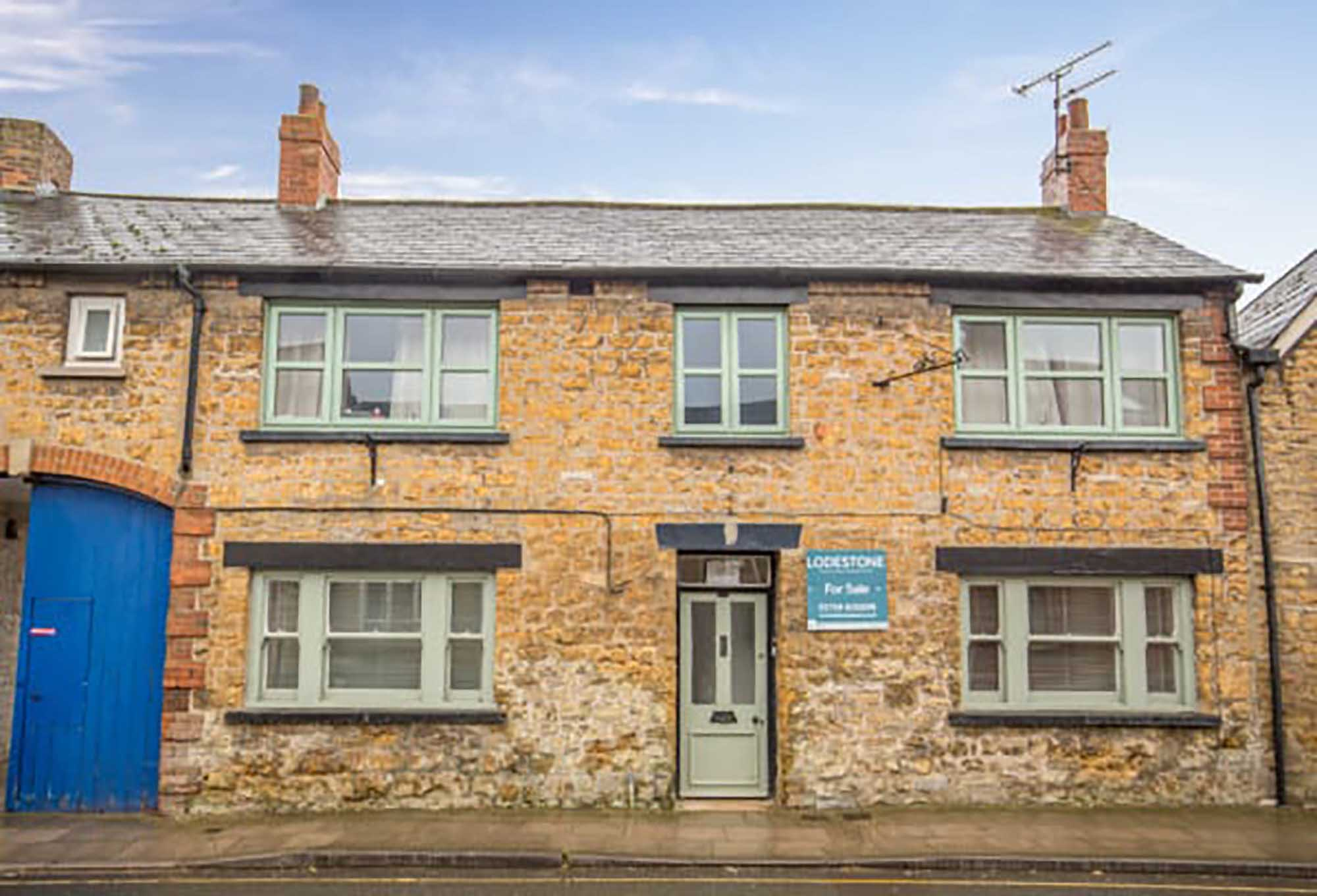 Period cottage central Castle Cary