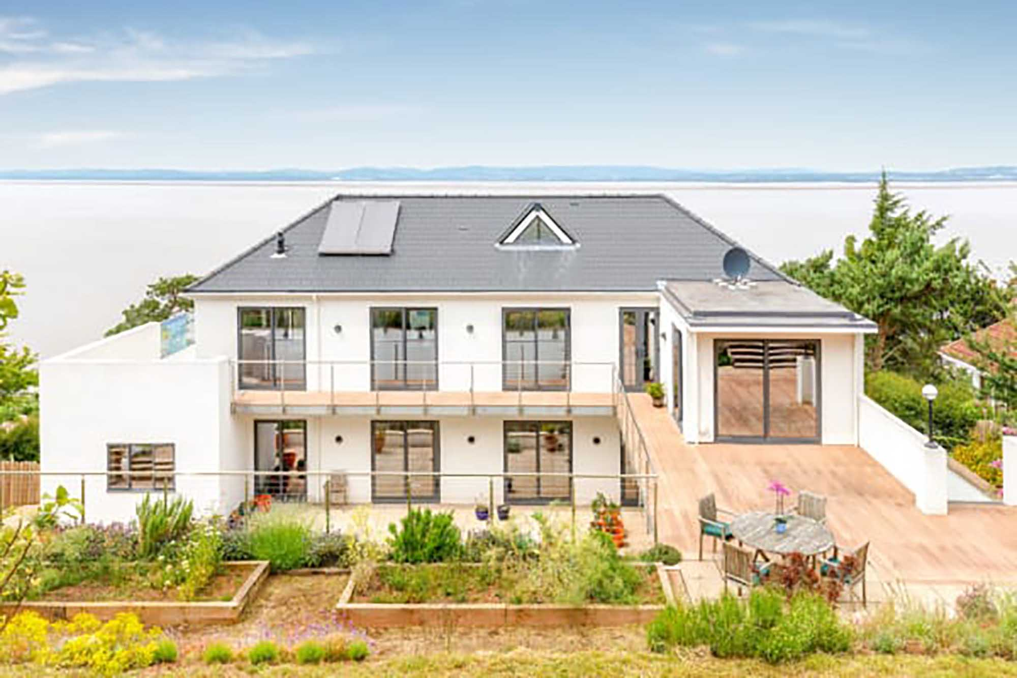 Near Bristol-Fabulous views in secluded location in Clevedon