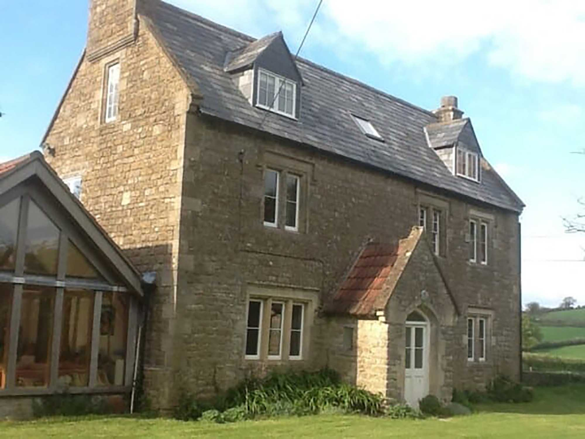 Large period property with outbuildings, Stoney Stratton