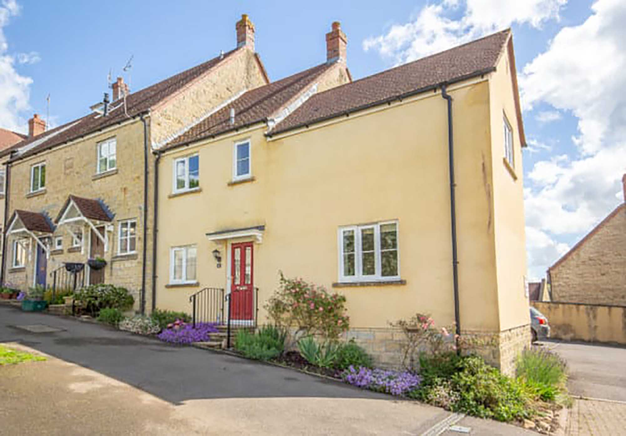 Wonderfully positioned property in Bruton