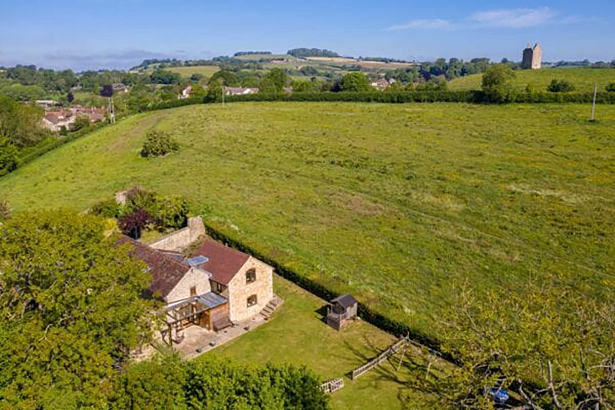 BRUTON, Fabulous 4 bedroom hideaway . NO CHAIN