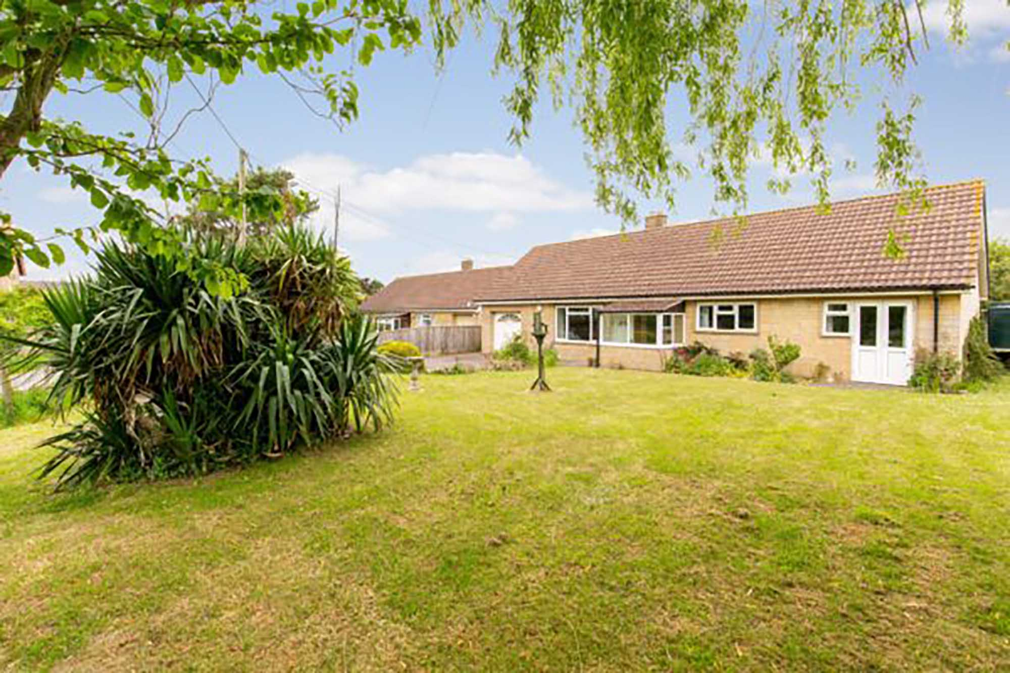 3 Bedroom hideaway in picturesque village close to Bruton