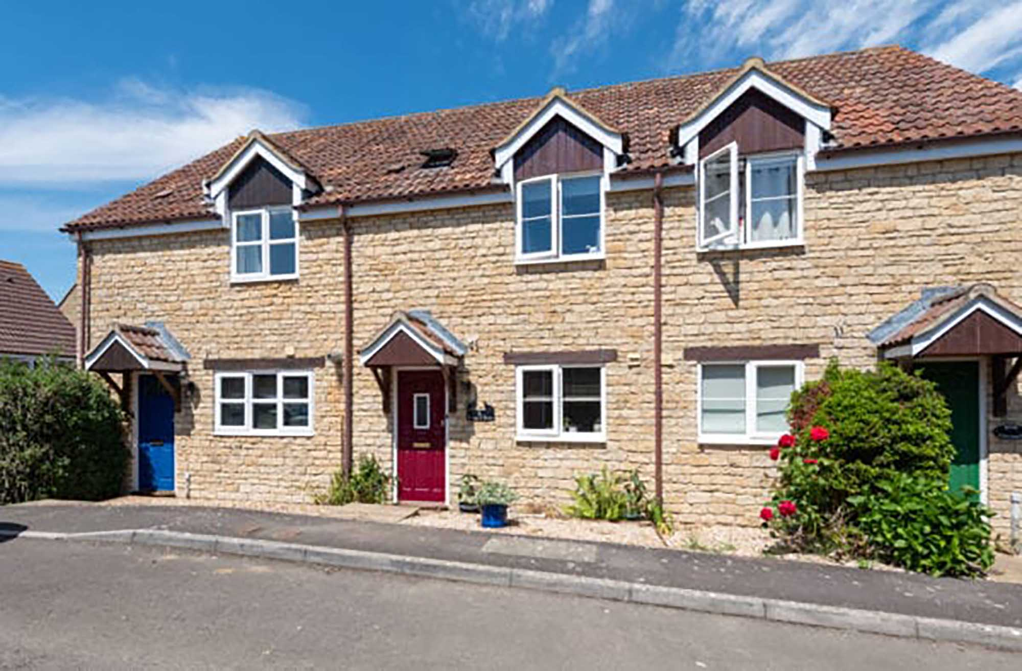 Lovely cottage style dwelling located in active Somerset village.