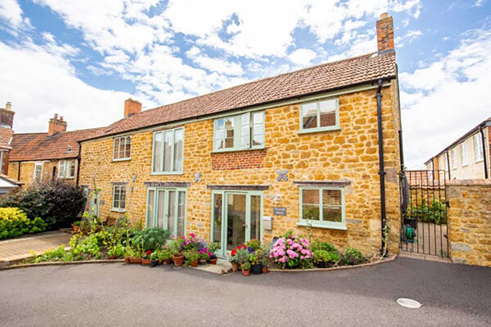 Beautiful home in heart of Castle Cary