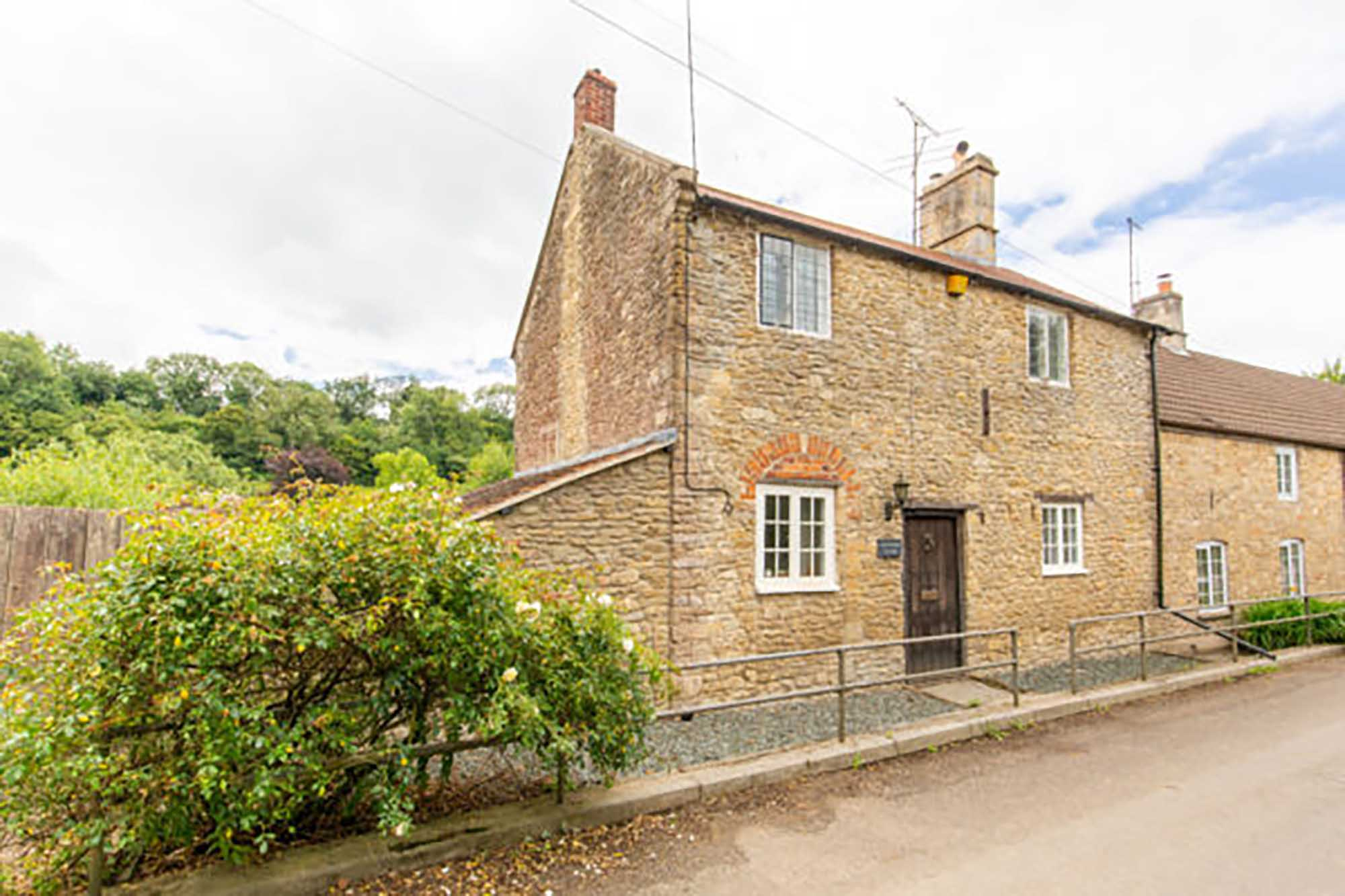 Batcombe nr Bruton, cottage and annexe
