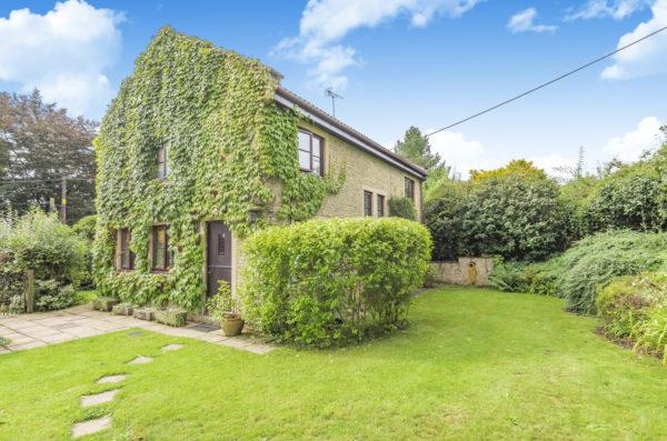 Near Bruton- 4 bed family home in popular village