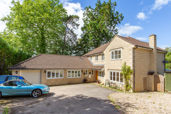 Spacious modern family home Bruton