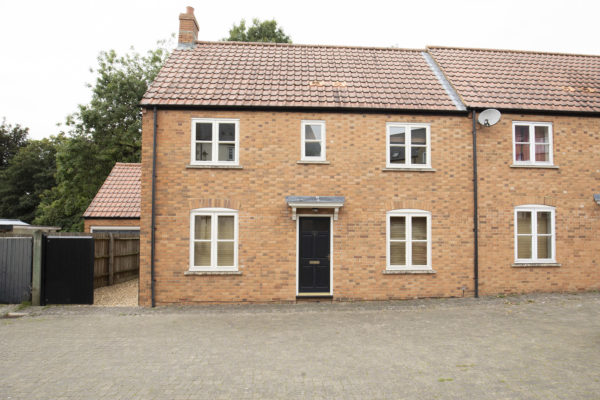 Lovely quiet location 3 bedroom home