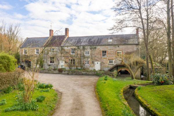 Nr Castle Cary, large period house, annexe, land, tennis court